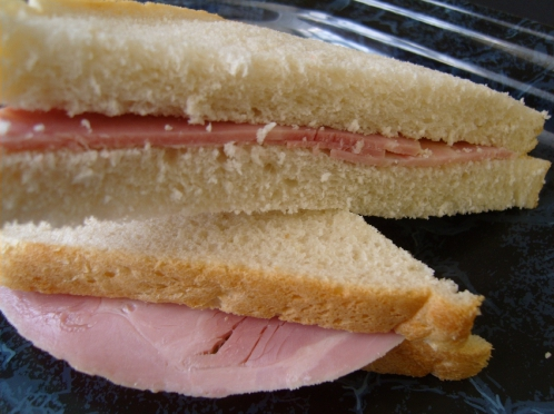 ham sandwich on white bread
